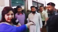 女记者挑衅遭警察巴掌扇脸