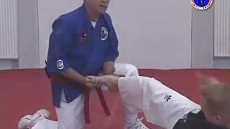 急所术( kyusho jitsu)讲授穴位攻击技巧 3