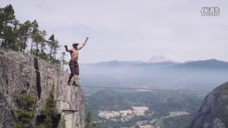 超疯狂的走扁带,悬崖之间没有任何安全措施!