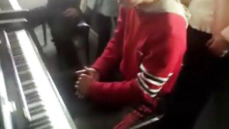 清华大学的上课铃声《钢琴演绎》