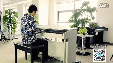 一个人就是一个乐队—《龙卷风》钢琴版