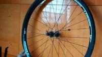 視頻: 半分鐘徒手安裝公路車輪胎(鋼絲胎邊)