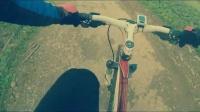 視頻: 肯騎行冬季越野體驗——田間小路之上坡