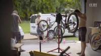 视频: COMMENCAL - 看门狗速降DH车队的技师团队忙着准备明天要用的车!!!