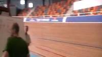 視頻: 【場地自行車】仰臥式自行車1小時世界紀錄:56.7公里(d'Aurélien Bonneteau)